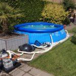 Het zwembad staat weer (hopelijk wordt 't een mooie zomer)