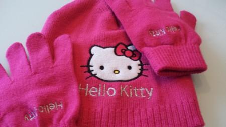 hello kitty sjaal en handschoenen