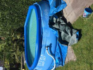 Ja hoor, het zwembad staat weer.