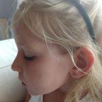 Het is achter de rug: mijn dochter heeft eindelijk oorbellen