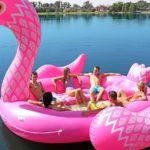 Hallo opblaasbaar flamingo,- pauwen- of eenhoorn-eiland (ik wil 'm!)